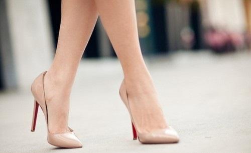 Как растянуть лакированную обувь