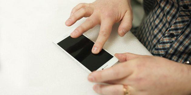 Как наклеить защитное стекло на телефон: опустите стекло на экран