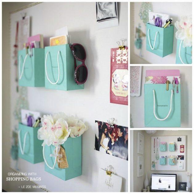 хранение мелочей: Бумажные пакеты на стене