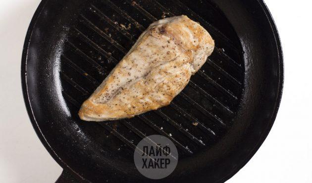 Как приготовить курицу в лаваше: обжарьте куриное филе