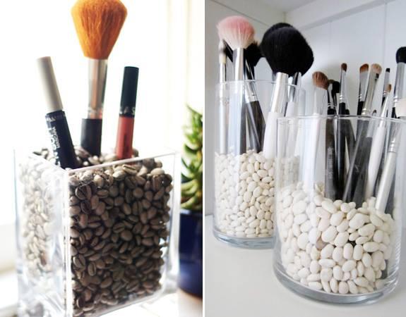 хранение мелочей: кофейные зёрна для хранения кисточек для макияжа