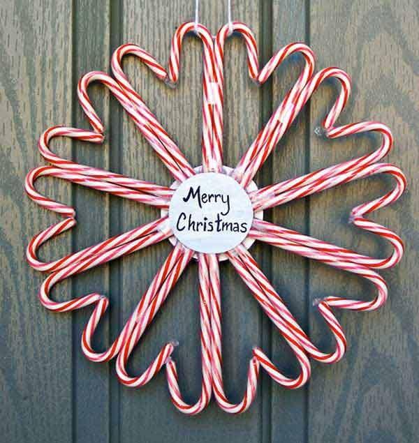 Как украсить дом на Новый год: рождественский венок из конфет