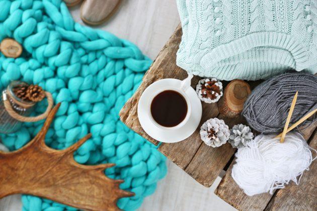 Как сделать новогодний подарок своими руками: Уютный плед