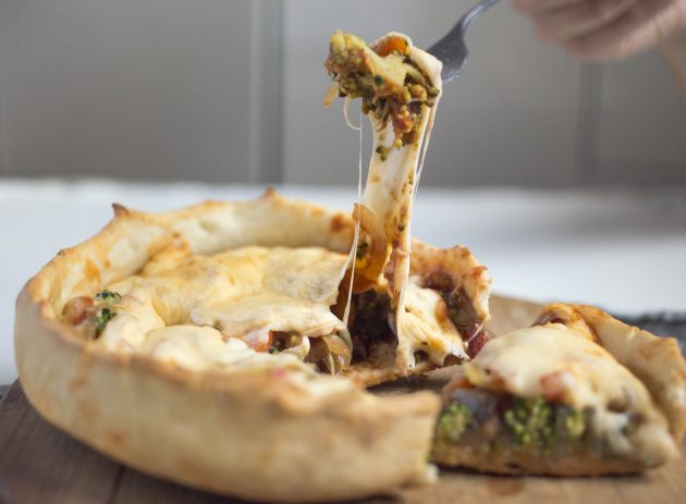 сырная пицца, пицца с сыром и овощами