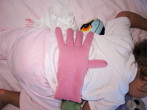 put-a-bean-filled-glove-on-your-babys-back-when-you-want-your-kids-to-feel-loved