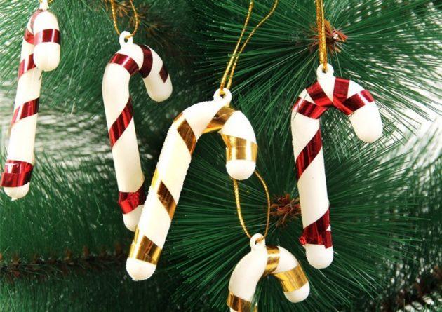 новогодние товары: украшения в виде карамельной трости