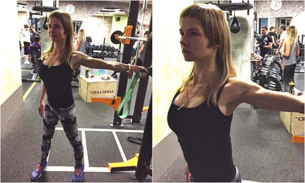 Упражнения с эспандером: Растяжка грудных мышц