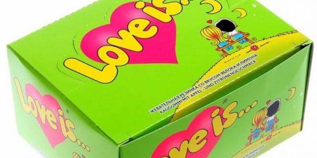 Что подарить любимому человеку на Новый год: блок жвачки Love is