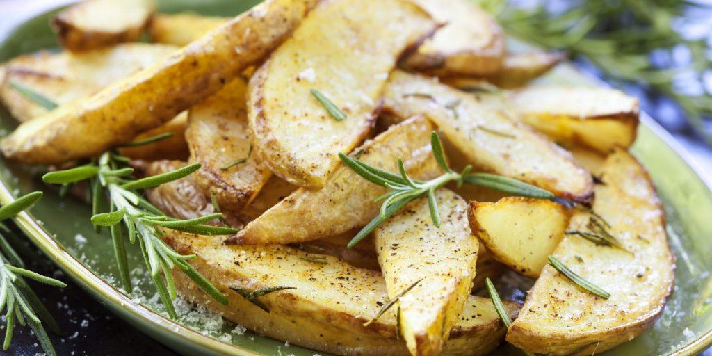 Как правильно и вкусно приготовить картошку