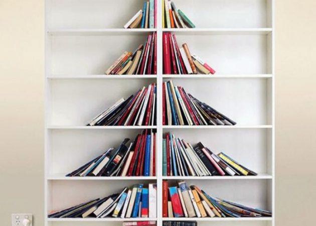 Как украсить дом к Новому году: ёлка из книг