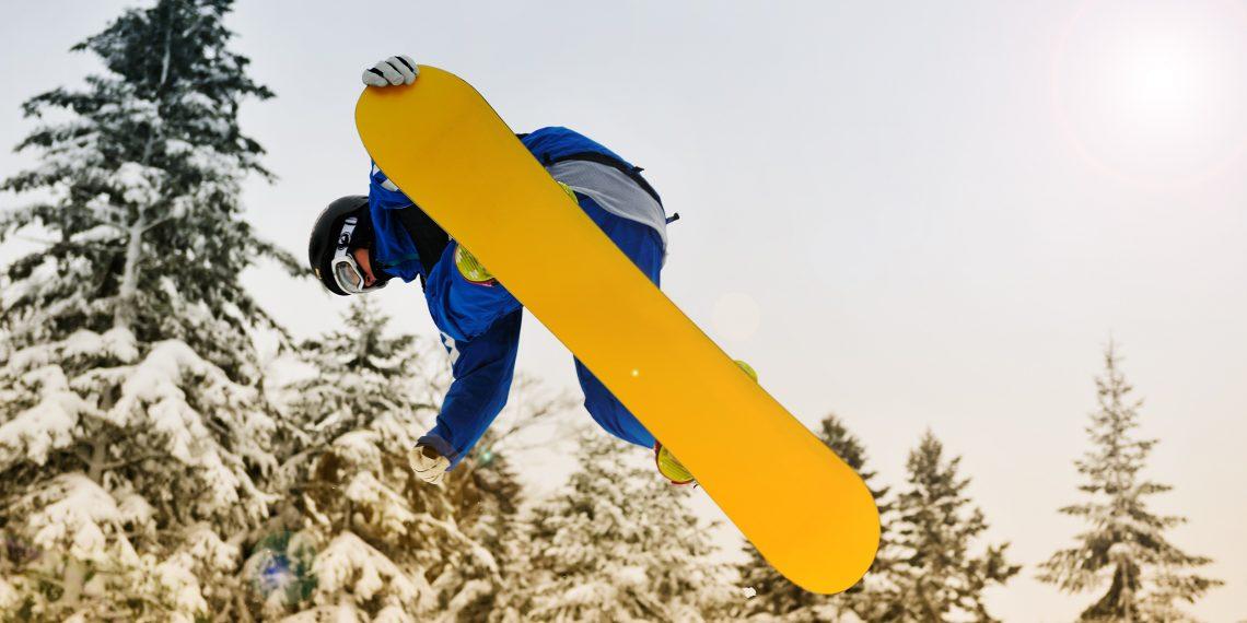Как выбрать идеальный сноуборд - Лайфхакер 283f95c976c
