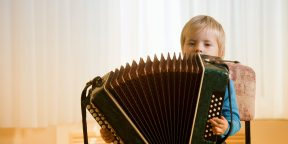 Почему не стоит учить ребёнка музыке
