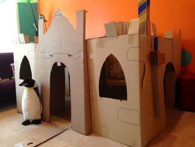 Интерьер детской: картонные игрушки
