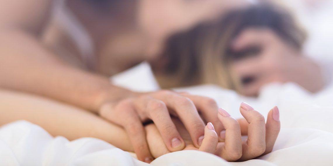 Как настроить мужчину на секс