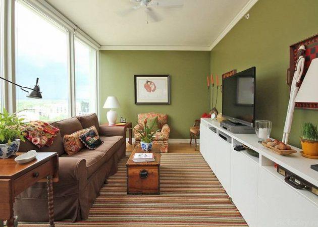 Узкая комната: используйте горизонтальные полосы