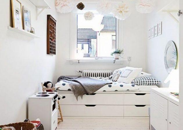 Узкая спальня: место для хранения под кроватью