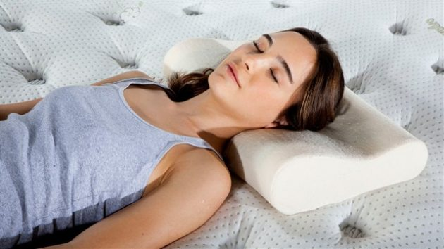 Как выбрать подушку: прямоугольная подушка с валиком