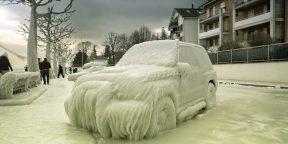 Как открыть замёрзшую машину