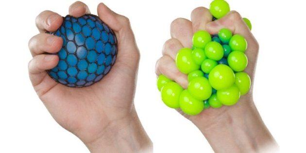 Что подарить коллеге на 23 Февраля: Антистресс-мяч