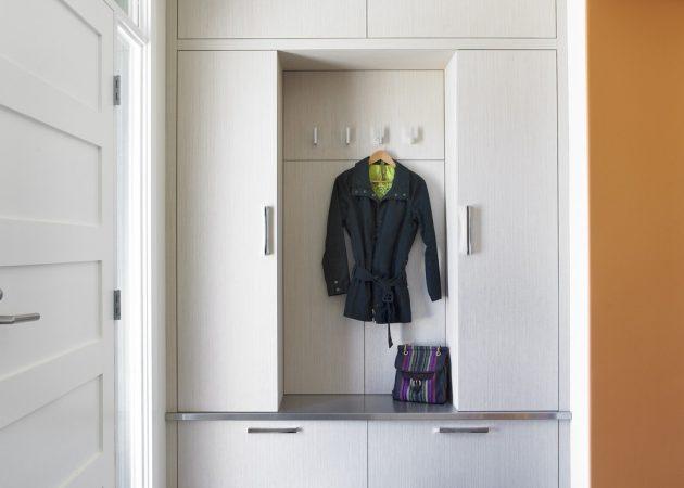 Дизайн прихожей: закрытые места для хранения