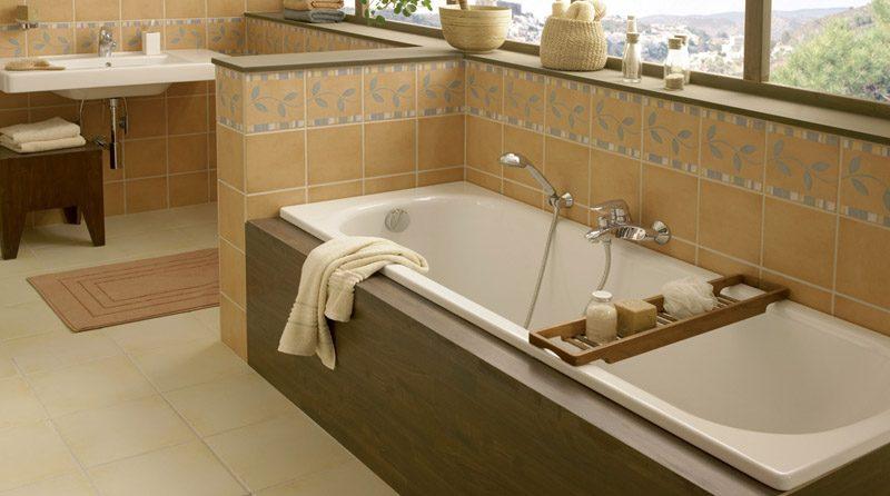 Мужик в ванной себя