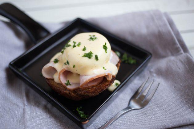 яйца бенедикт: готовое блюдо