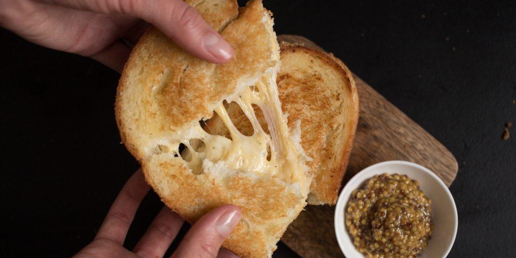 Как приготовить идеальный гриль-сэндвич с сыром - Лайфхакер