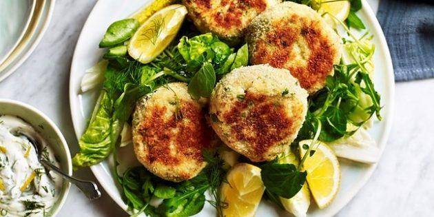 Рыбные котлеты с сыром, картофелем и зеленью