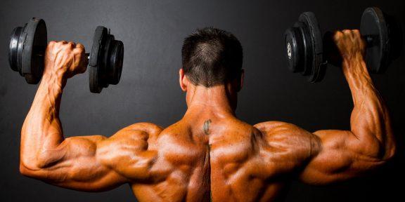 Как накачать плечи: классический набор упражнений