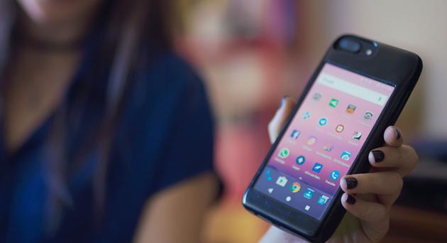 Eye — полноценный смартфон на Android в качестве чехла для iPhone