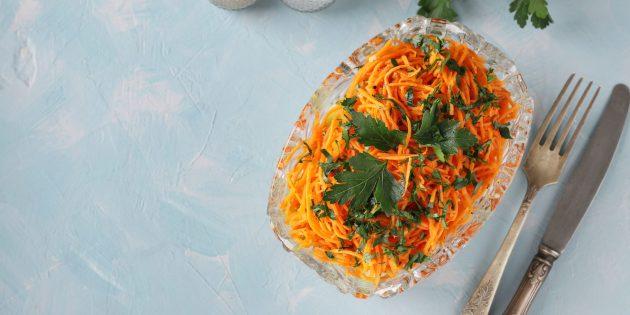 Рецепт салата с корейской морковью и грибами
