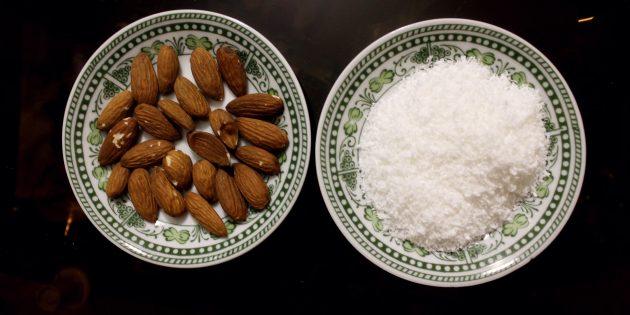 Простой рецепт диетических «Рафаэлло»: миндаль и кокосовая стружка