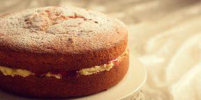 Простой рецепт бисквитного торта с ягодами