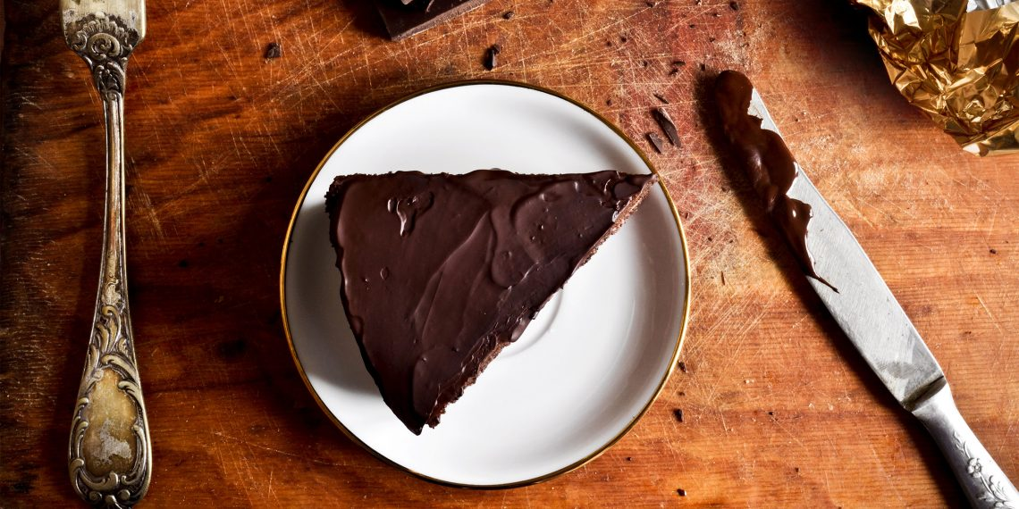 Приготовит торт прага