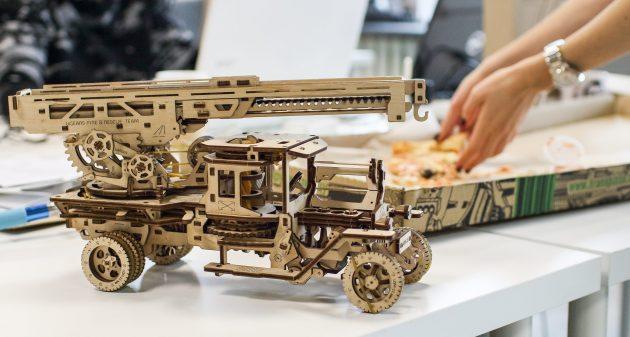 UGEARS: грузовик