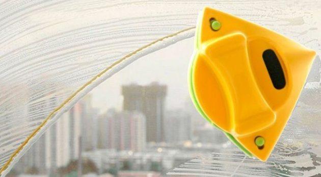 Как максимально упростить мытье окон: Магнитная щётка