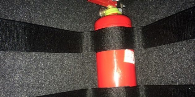 Крепление для огнетушителя