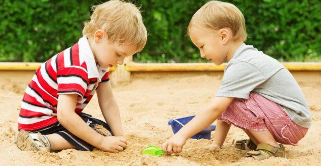 общение с ребёнком: песочная терапия