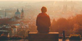 Как знакомиться с людьми, когда вы путешествуете в одиночку