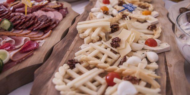 Как составить сырную тарелку