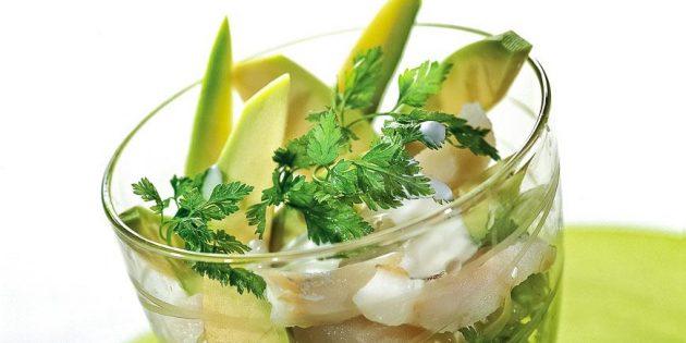 Рыбный салат с авокадо