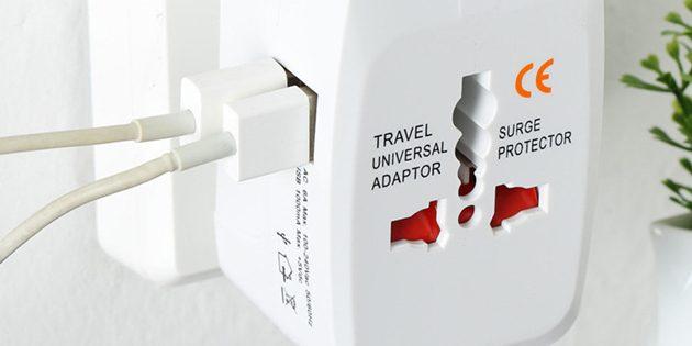 Универсальный адаптер с USB-портами