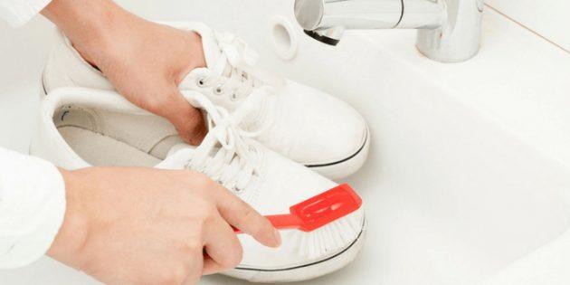 Как очистить кроссовки