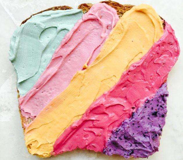 Яркие начинки для тостов