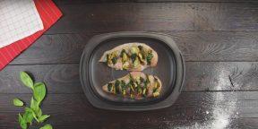 Вкусный и полезный ужин: куриное филе со шпинатом и грибами