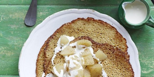 Что приготовить на завтрак: Блинчики с яблоками и грушами