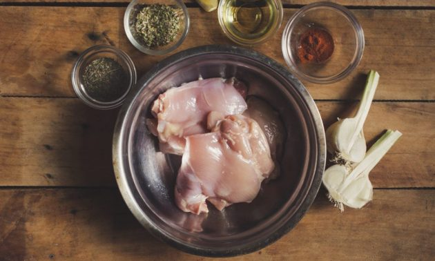 Как приготовить гирос с курицей и йогуртовым соусом