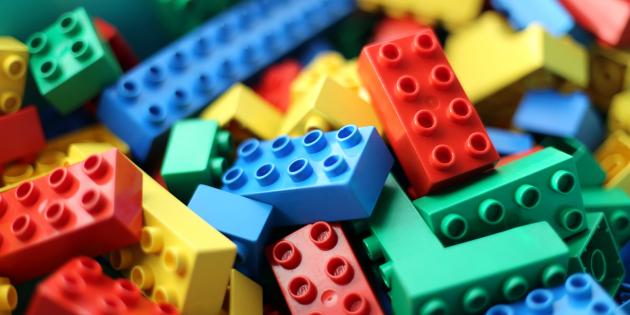 5 полезных вещей, которые можно быстро собрать из Lego