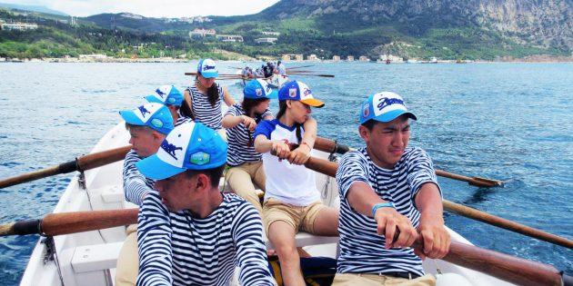 Катание на лодках в «Артеке»