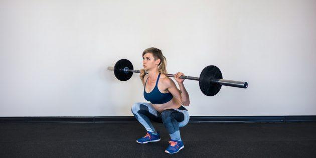 Программа тренировок в тренажёрном зале: Приседания со штангой на спине